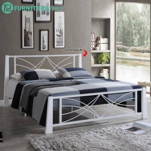 DB555888 queen size metal bed frame in wooden post